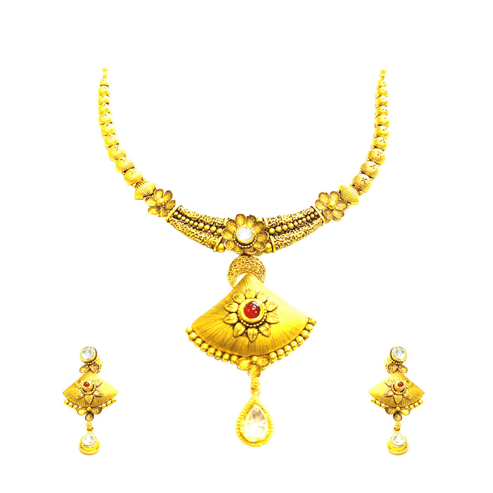 Traditional Texture Ruby Gemstone Gold Necklace Set
