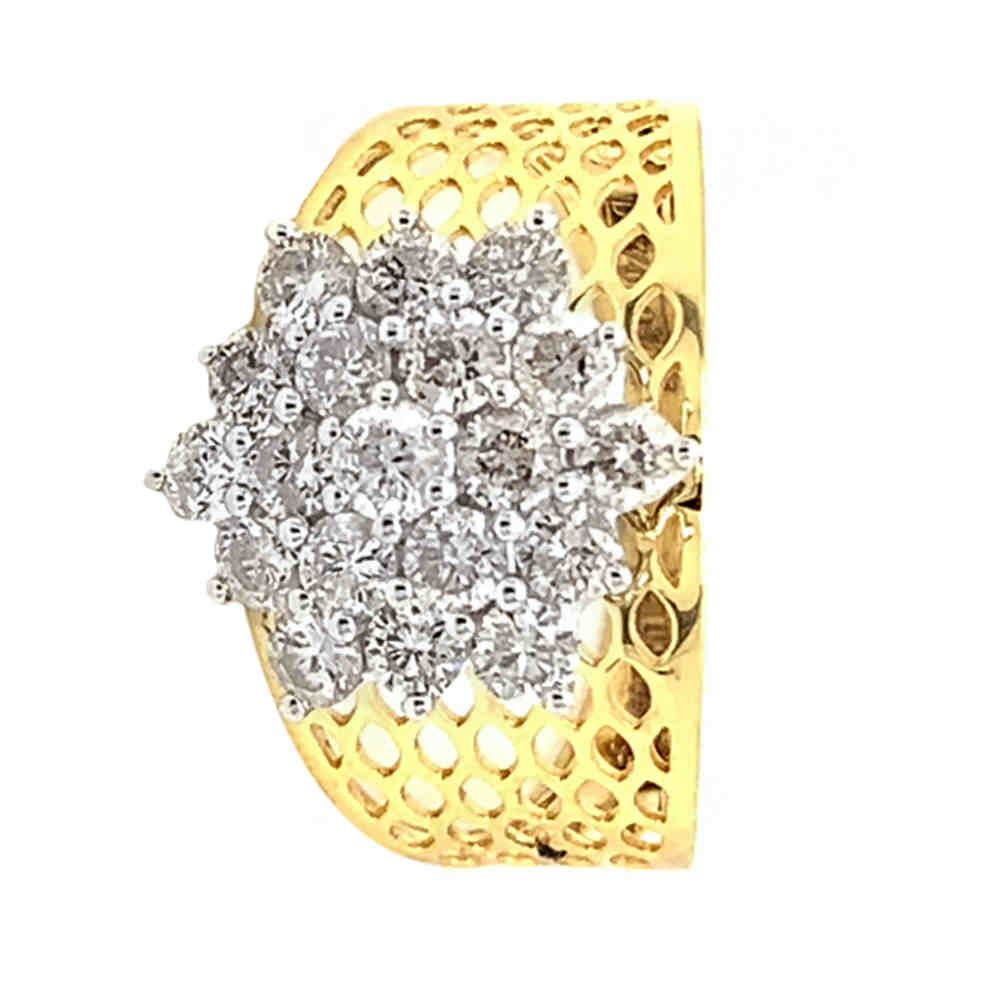 Glittering Cutout Floral Design Diamond Ring
