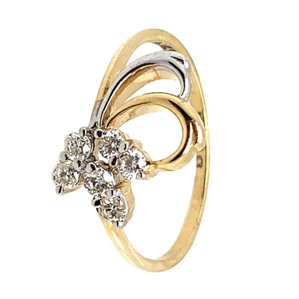 Sparkling Curved Design Diamond Ring