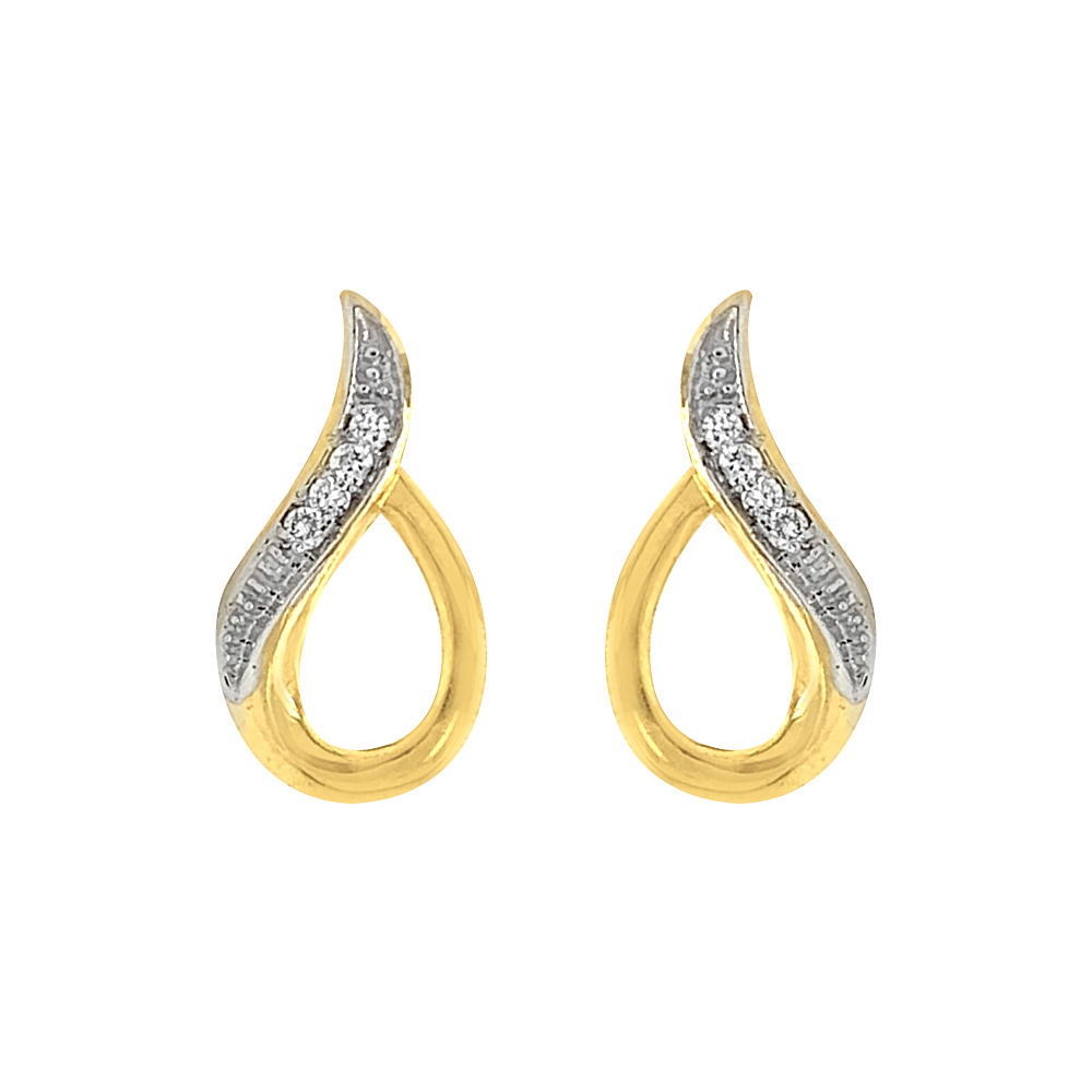 Sparkling Glossy Finish Curved Design Diamond Earring