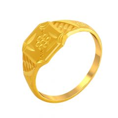 Bold Traditional Gold Ring