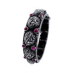 Antique Oxidised Engraved Floral Gemstone Openable Silver Bangle -STRKD0242