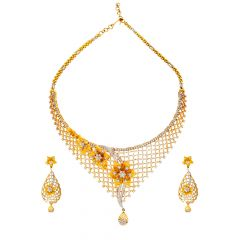 Dazzling Floral Cutout Diamond Necklace Set