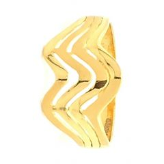 Glossy Matte Finish Wavy Design With Gold Ring