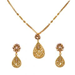 Drop Design Kundan Pendant Set
