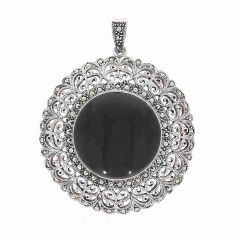 Glossy Oxidized Finish Antique Floral Design With Studded Black Onyx Silver Pendant
