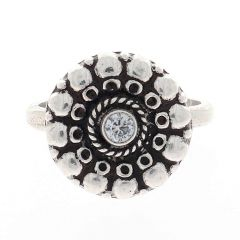 Glossy Oxidized Finish Round Floral Design With Synthetic Stone Studded Silver Toe Ring