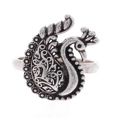 Glossy Oxidized Finish Peacock Design Silver Toe Ring