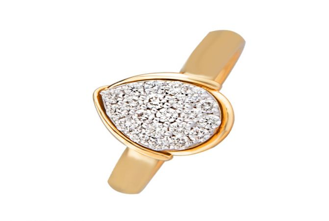 Ravishing Cluster Drop Daily Wear 14kt Yellow Gold Diamond Ring