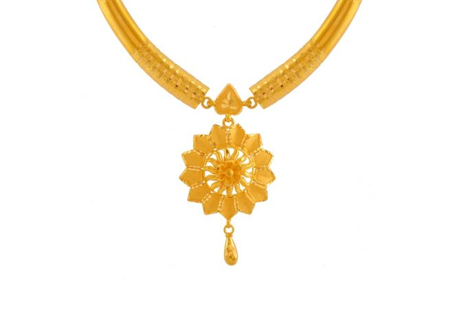 Ornate Traditional Gold Chain Pendant