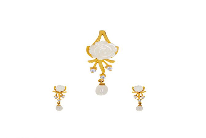 Delicate Floral Synthetic Mother Of Pearl CZ Diamond Pendant Set