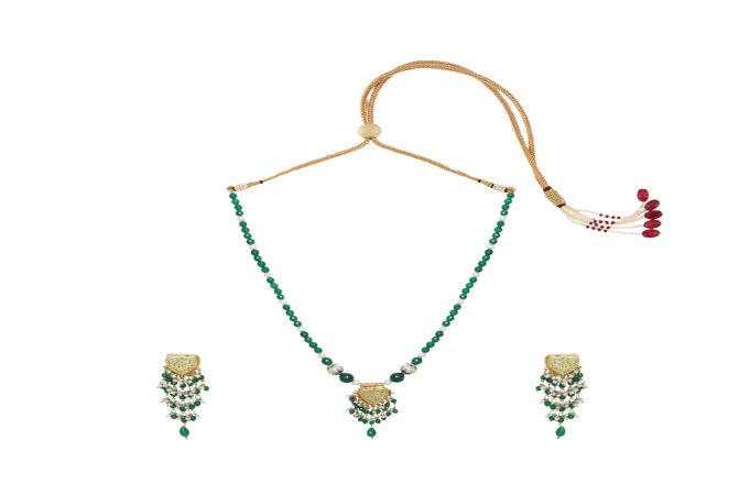 Alluring Gemstone Thewa Necklace Set