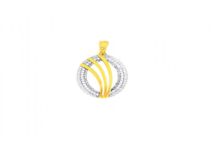 Elegant Cluster CZ Contemporary Casual Wear Yellow Gold 18kt Pendant -275-120039004