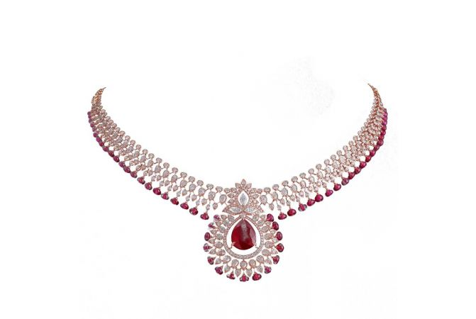 Glittering Pave Prong Leafy Drop Design Studded With Ruby Exquisite Diamond Necklace