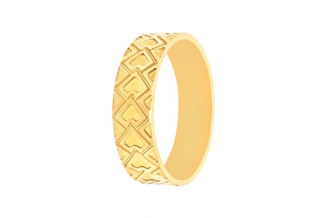 Trendy Engraved Grooved Gold Band For Her