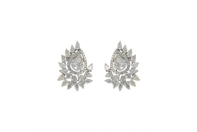 Glittering Flush Set With Pear Round Cut Contemporary Design Diamond Earrings