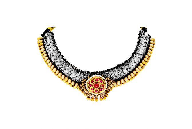 Classical Texutred Gemstone Silver Base Gold Plated Thushi Necklace