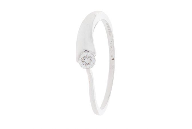 Dainty Bezel Diamond Ring