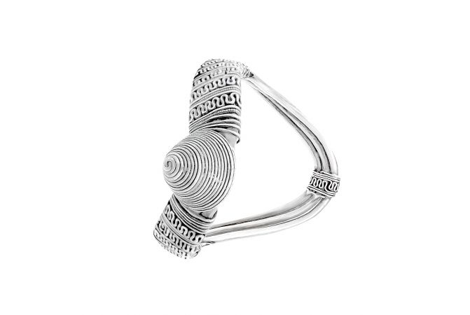 Classy Oxidize Embossed Silver Armlet