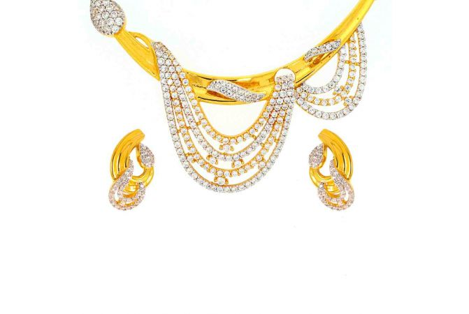 Glossy Finish Curved Drop Design With CZ Studded Gold Pendant Set