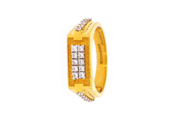 Glossy Finish Textured Checks Design With Studded CZ Gold Ring