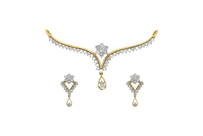Glittering Prong Set Floral Design Diamond Tanmaniya Pendant Set