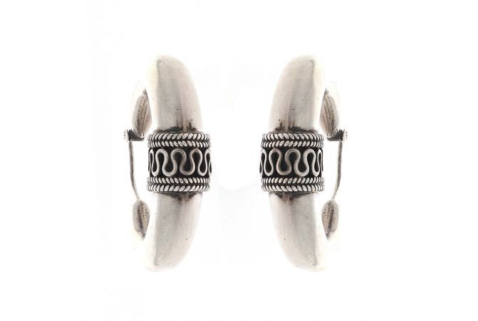 Glossy Oxidized Finish Bali Ring Design Silver Earrings
