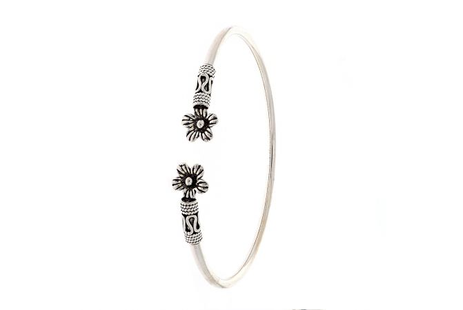 Glossy Oxidized Finish Floral Flexi Design Silver Bracelet